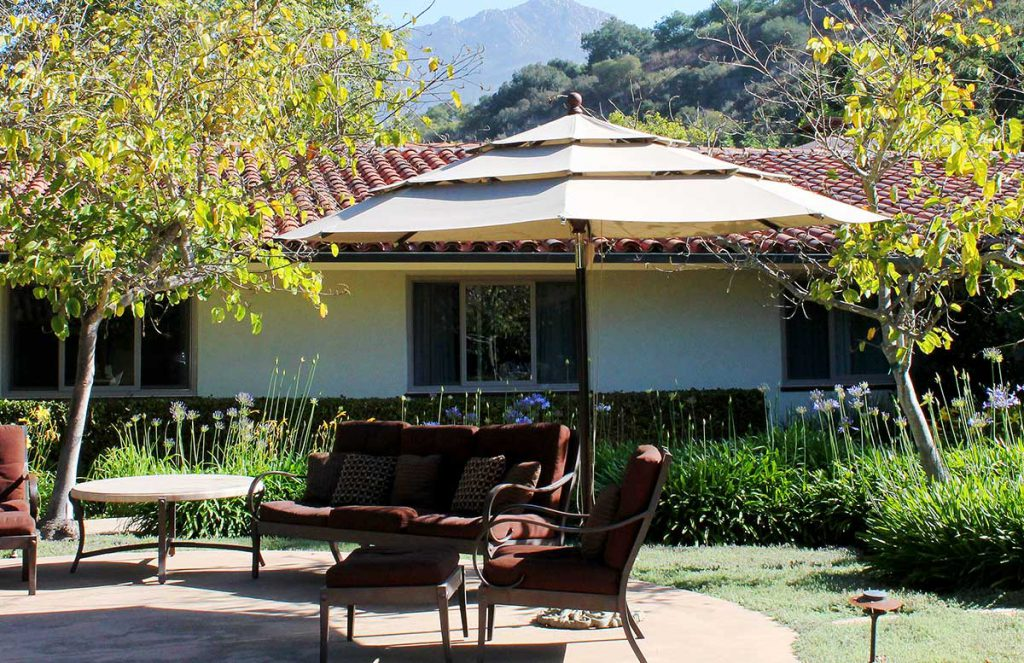 Center Courtyard sitting area at Wood Glen Hall Assisted Living in Santa Barbara