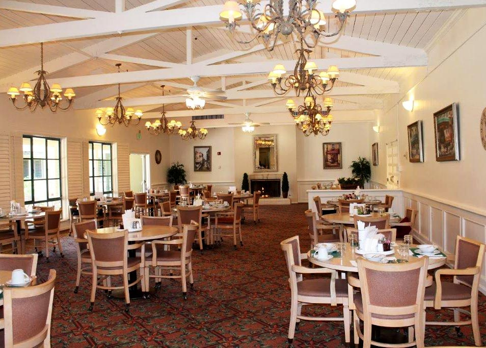The Dining Room at Wood Glen Hall