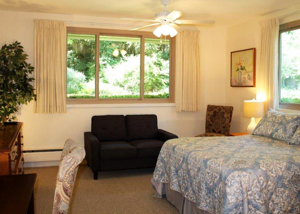 A Standard Room at Wood Glen Hall